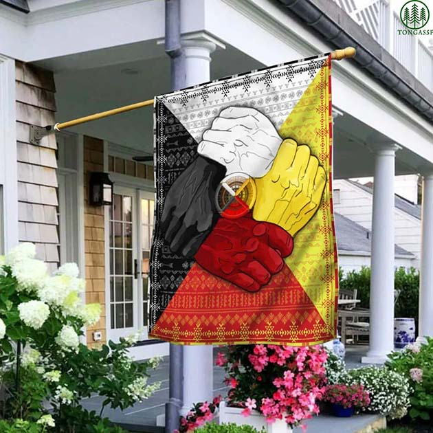 [Tongassf] Black red white yellow skin color House Flag Garden Flag